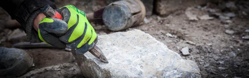 Ein perfektes Mauerbild erfordert eine sorgfältige Bearbeitung der Steine